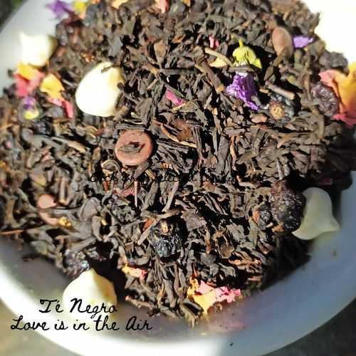 "Té Negro ""Love is in the Air"""